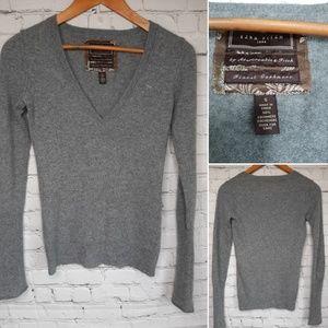 Ezra Fitch grey cashmere sweater, size S